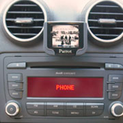 small image of a ipod/iphone kit